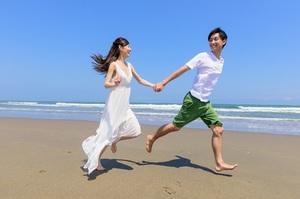 なんで日本人は有休を取得できないの? 「1日休むと1万円賞与が引かれる」という人も