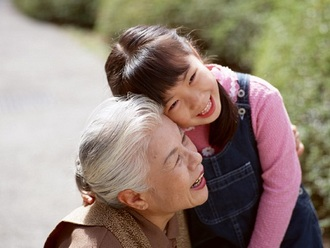 高齢者が孫の世話押しつけられ疲れる「孫疲れ」が密かに蔓延