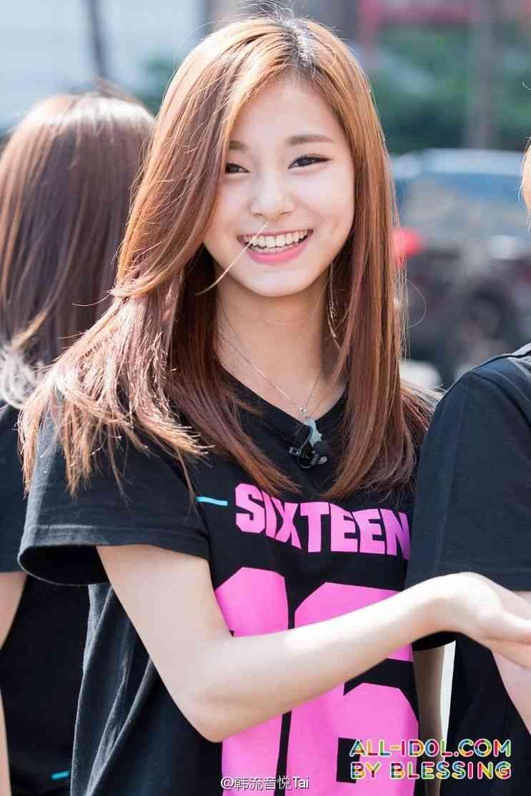 画像 : 韓国アイドルグループ「TWICE」唯一の台湾人メンバー周子瑜(ツゥイ)がかわいいっ! - NAVER まとめ