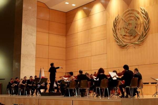 玉置浩二作曲「歓喜の歌」、柳澤寿男指揮のもと国連欧州本部で演奏 | ニコニコニュース