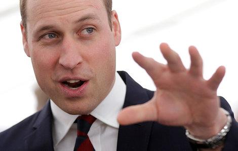 ウィリアム王子が公務をさぼって美女と大はしゃぎ、英でバッシング | ワールド | 最新記事 | ニューズウィーク日本版 オフィシャルサイト