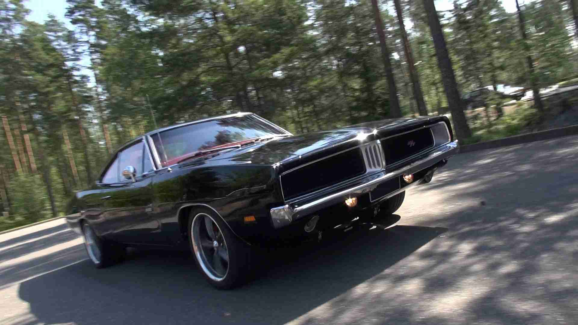 LOUD 1969 Dodge Charger R/T - amazing V8 sound!! - YouTube