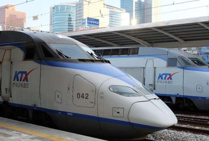 韓国高速鉄道、ひびの入った窓にビニールをかぶせ運行=ネッ... - Record China