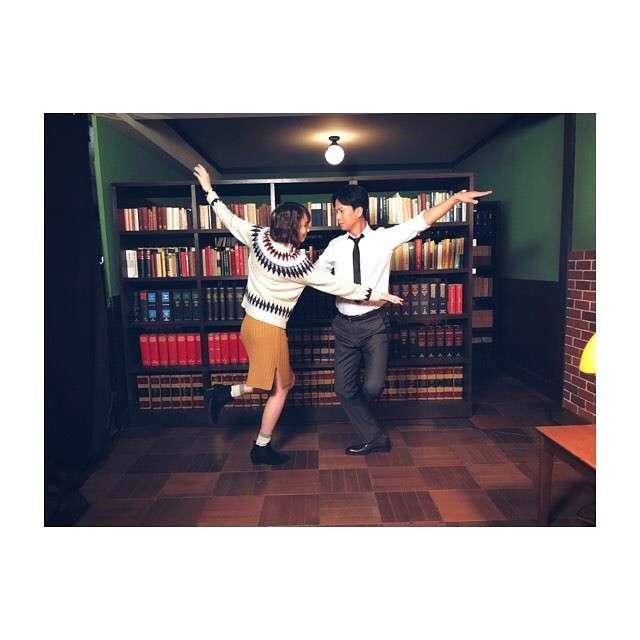庄司智春&藤本美貴夫妻の『ラ・ラ・ランド』なりきりショットが素敵!「仲良し夫婦」「見てて幸せ」