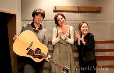 ベッキーのラジオ生放送を密着取材、NakamuraEmiの生歌聴き入る - ライブドアニュース