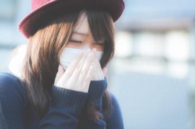 マスクをしている女子は好印象ですか?約8割の男性の回答は「いいえ」
