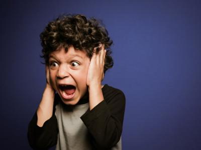 ひどい!「電車で子供が泣いた時に」周りにされた最悪言動3選