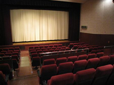 洋画は「字幕か? 吹き替えか?」論争 映画批評家が回答「総合的には吹き替えのほうが優れている」