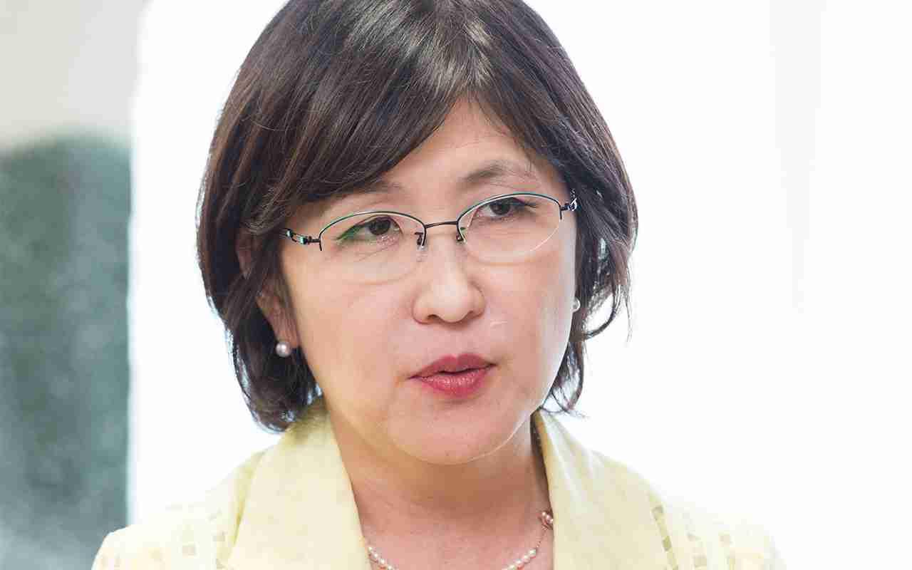 稲田防衛相の夫は森友学園の弁護士だった | 文春オンライン