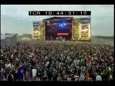 Velvet Revolver - Big machine/It´s so easy (Download 2005) - YouTube