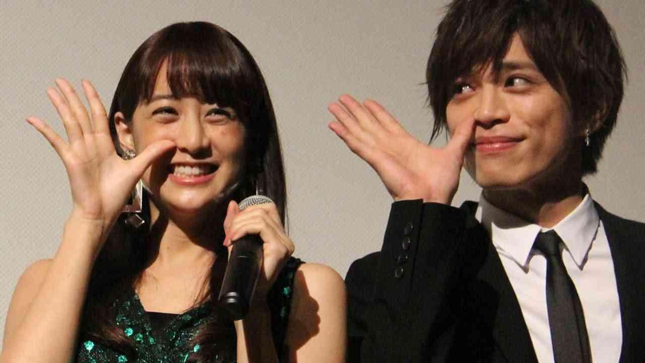 山本美月、初主演に「すごく緊張」山本裕典はドSキャラに「気持ちよかった」 映画「東京PRウーマン」初日舞台あいさつ1 #Mizuki Yamamoto #Tokyo PR Woman - YouTube