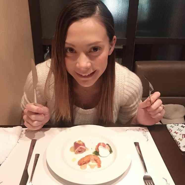 【エンタがビタミン♪】土屋アンナ、愛する彼とディナーへ 出産を前にすっかりガーリー女子に | Techinsight|海外セレブ、国内エンタメのオンリーワンをお届けするニュースサイト