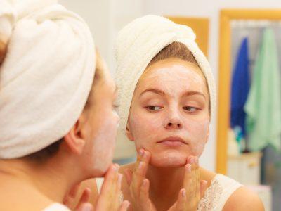 オバさん化を遅らせる!「肌を老化させる」8つの要因とは?