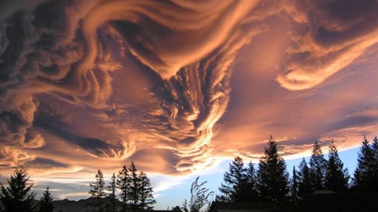 一生に一度は見てみたい世界的に珍しい雲 - YouTube