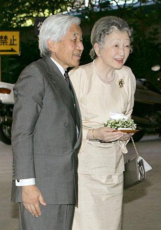 皇后陛下、「悠仁など事故に遭ってもいい」と仰せでしょうか!? 《転載ご自由に》 - BBの覚醒記録。無知から来る親中親韓から離脱、日本人としての目覚めの記録。