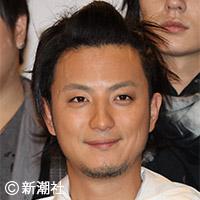 上地雄輔の父、横須賀市長選に出馬 「息子に応援演説はさせない」 | デイリー新潮