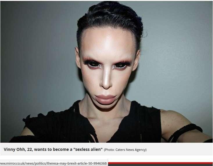 【微閲覧注意】「性別の無いエイリアンになりたい」理想を求め110回整形した男性(米)