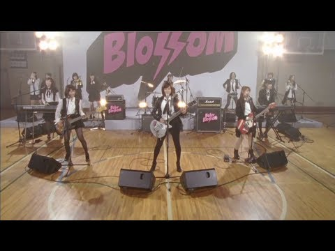 【MV full】 GIVE ME FIVE ! / AKB48[公式] - YouTube
