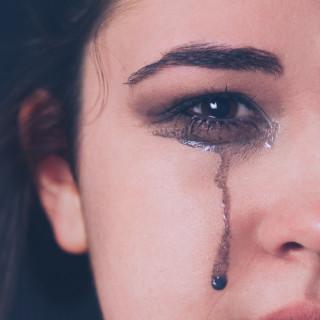 絶対泣く日のメイク