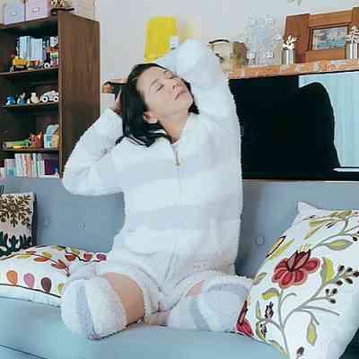 島崎遥香が小泉今日子の寝顔を激写!「アラフィフでこの可愛さ」「お美しい」驚きの声も!?