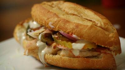 サブウェイの「チキン」の成分は50%が鶏肉で残り大半は大豆であるという調査結果にサブウェイが猛反発 - GIGAZINE