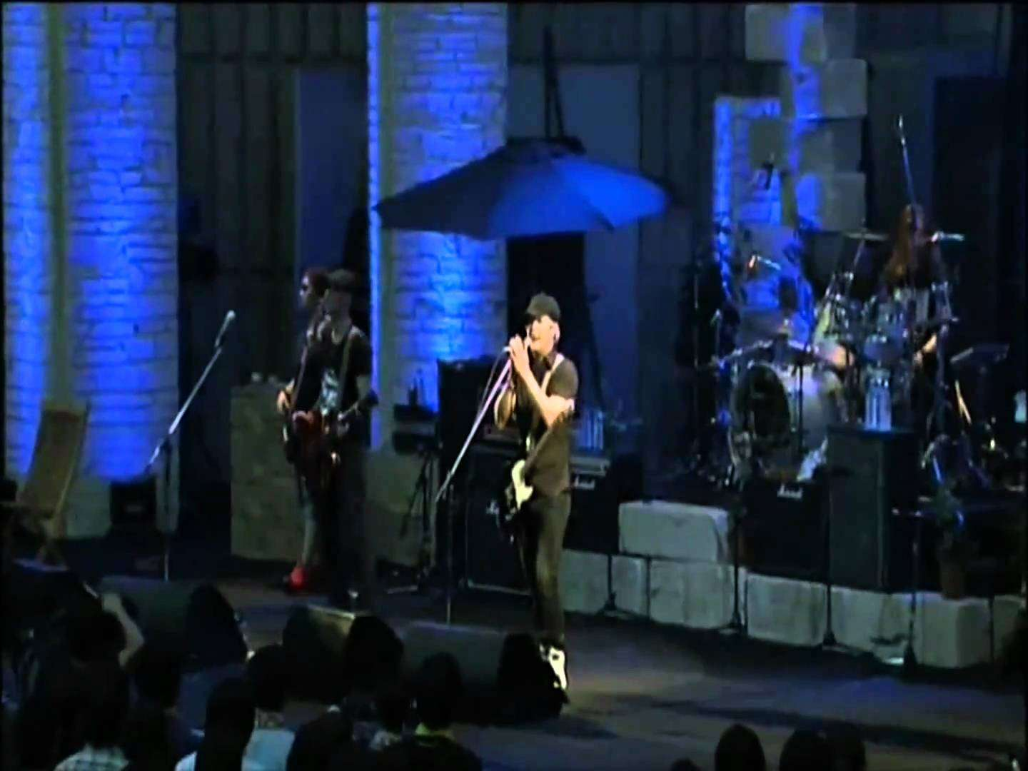 Monkey Majik - Aishiteru (Live) - YouTube