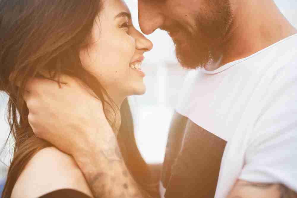 ずっと一緒にいたい。男性が彼女のことを「大事にしよう」と感じる瞬間
