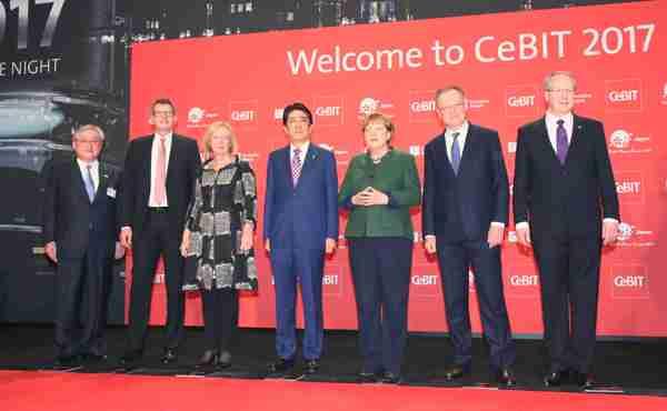 平成29年3月19日 ドイツ訪問-1日目- | 平成29年 | 総理の一日 | 総理大臣 | 首相官邸ホームページ