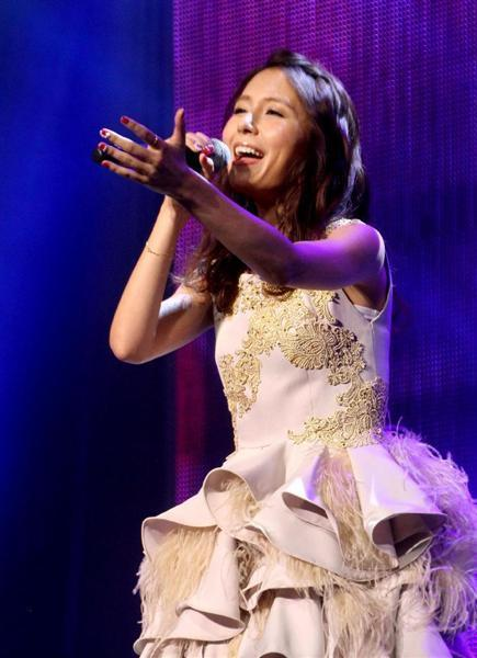 May J.が米ワシントンの桜祭りで「レット・イット・ゴー」熱唱