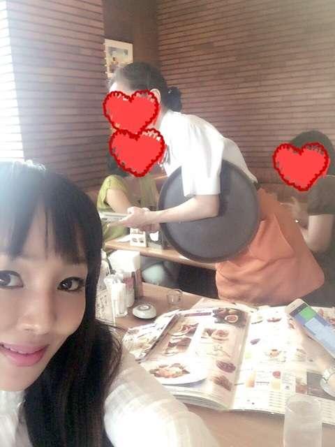 「私的には色々な経験が出来て楽しい」神田うの ママ友とファミレスでランチ 夫も驚く
