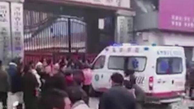 中国 小学校のトイレに児童殺到 2人死亡 | NHKニュース