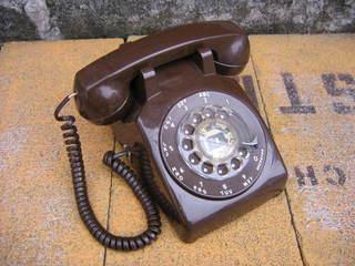ハリセンボン近藤春菜が新ヘアスタイル(マッシュルームカット)を『スッキリ!』で披露「この髪型のコンセプトは黒電話」