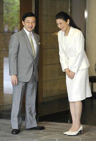 お股押さえの変なお辞儀 と思ってたら朝鮮式だったか 雅子妃 - BBの覚醒記録。無知から来る親中親韓から離脱、日本人としての目覚めの記録。
