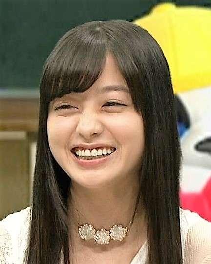 川島海荷のショートボブ姿に「顔面の激太り隠し」との指摘が!