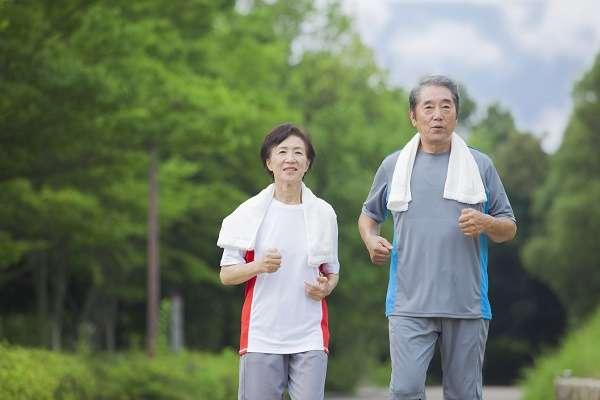 70歳定年、75歳で年金支給開始!?内閣府が高齢者の定義を「65歳→70歳」に引き上げを提案