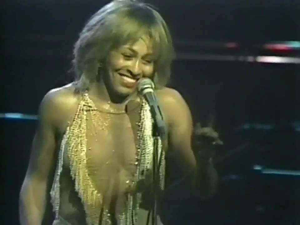 TINA TURNER - PROUD MARY(LIVE 1982) - YouTube