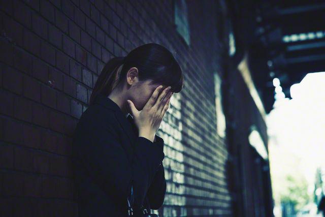 注意!自傷行為(リストカット)や自殺未遂も、境界性人格障害/ボーダーラインの症状 - NAVER まとめ