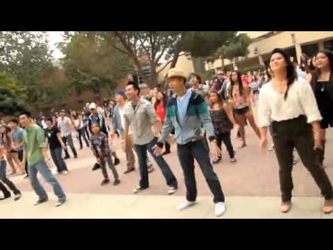 Can't take my eyes off you Flash Mob. - YouTube