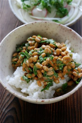 この発想はなかった!? 納豆ご飯をフランス料理っぽく大変身させる方法が話題に