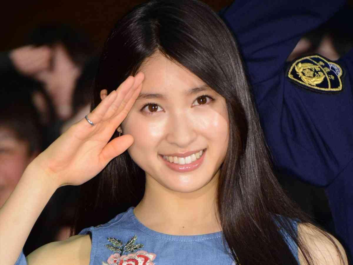 亀梨和也、女子高生の逆プロポーズに超絶イケメン対応!「僕から言います」 - シネマトゥデイ