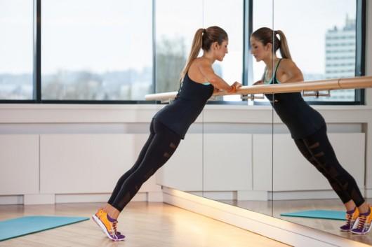 壁腕立て伏せで胸と二の腕をエクササイズ!女性におすすめな筋トレ! | 筋トレぴろっきー《筋肉やトレーニング情報満載ブログ!》