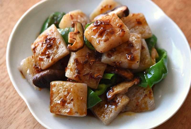 ひと手間でおいしく!こんにゃくステーキのレシピ/作り方:白ごはん.com