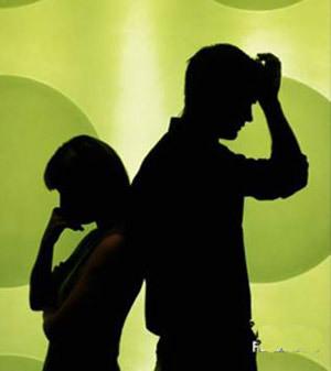 浮気が始まったのは結婚3年以内が60%以上!? 探偵会社が行った離婚に関するアンケート調査が夢も希望も打ち砕く…