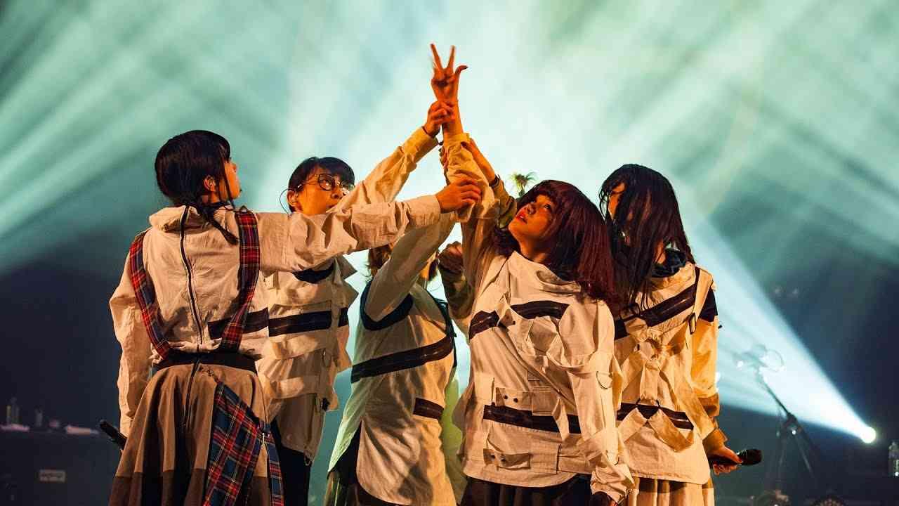 BiSH / プロミスザスター[NEVERMiND TOUR FiNAL @ ZEPP TOKYO] - YouTube