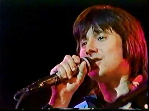 Journey - Who's Crying Now (Live In Tokyo 1983) HQ - YouTube