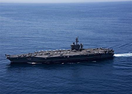 海自と米空母、共同訓練開始=沖縄南方、フィリピン海で―数日間実施、北朝鮮けん制 (時事通信) - Yahoo!ニュース