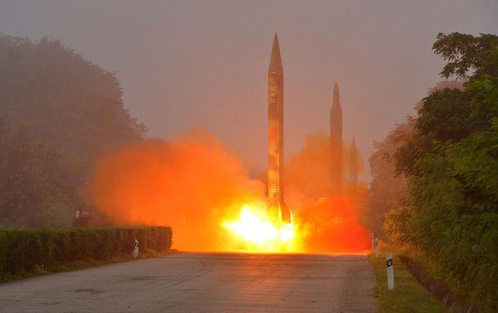 「地面に伏せて頭を守って」 日本政府が北朝鮮ミサイル着弾への対処法を発表