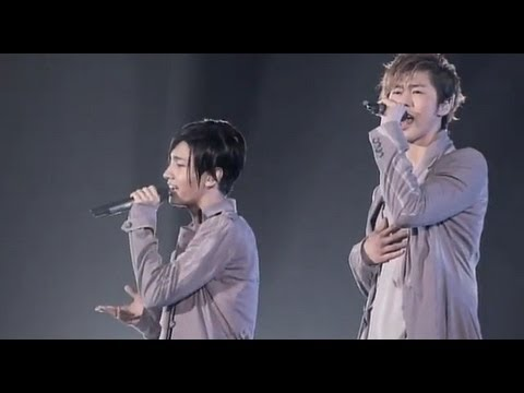 東方神起 / シアワセ色の花(LIVE TOUR 2012~TONE~ Documentary Film) - YouTube