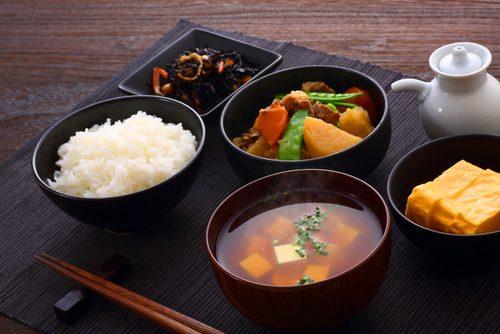 男女約1万人が選ぶ「好きな和食」TOP10 2位が「刺身」で71.6% - Peachy - ライブドアニュース