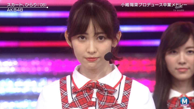 小嶋陽菜、美バストチラ見せコーデで「sweetコレクション」トップバッター バースデーサプライズに「びっくりしたぁ!」